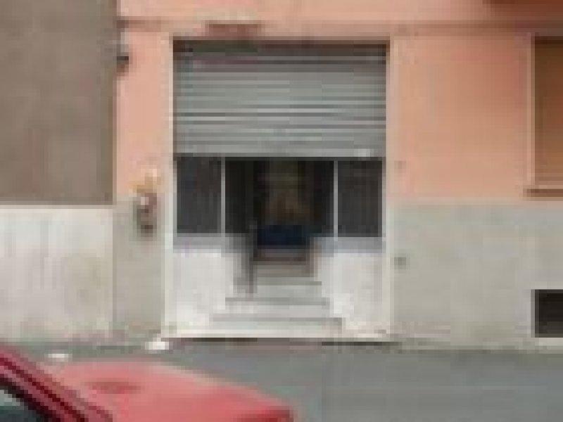 affittasi bilocale uso commerciale - двухкомнатная квартира для коммерческого использования