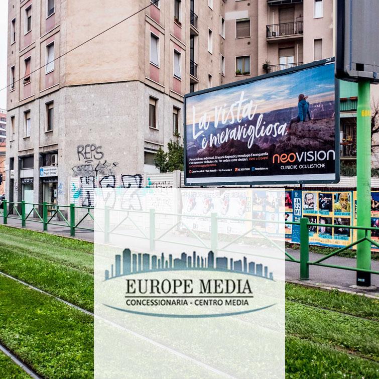 affissioni pubblicitarie in oltre 100 città
